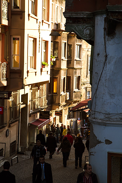 Busy-Street-In-Istanbul