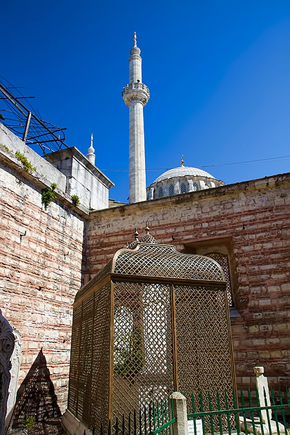 Caged-Grave-Laleli-Camii